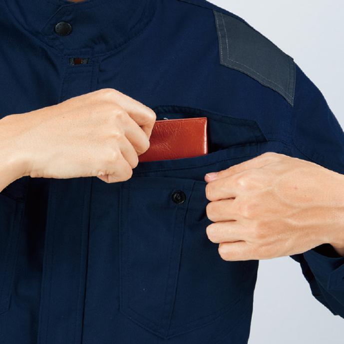 左側二重ポケット