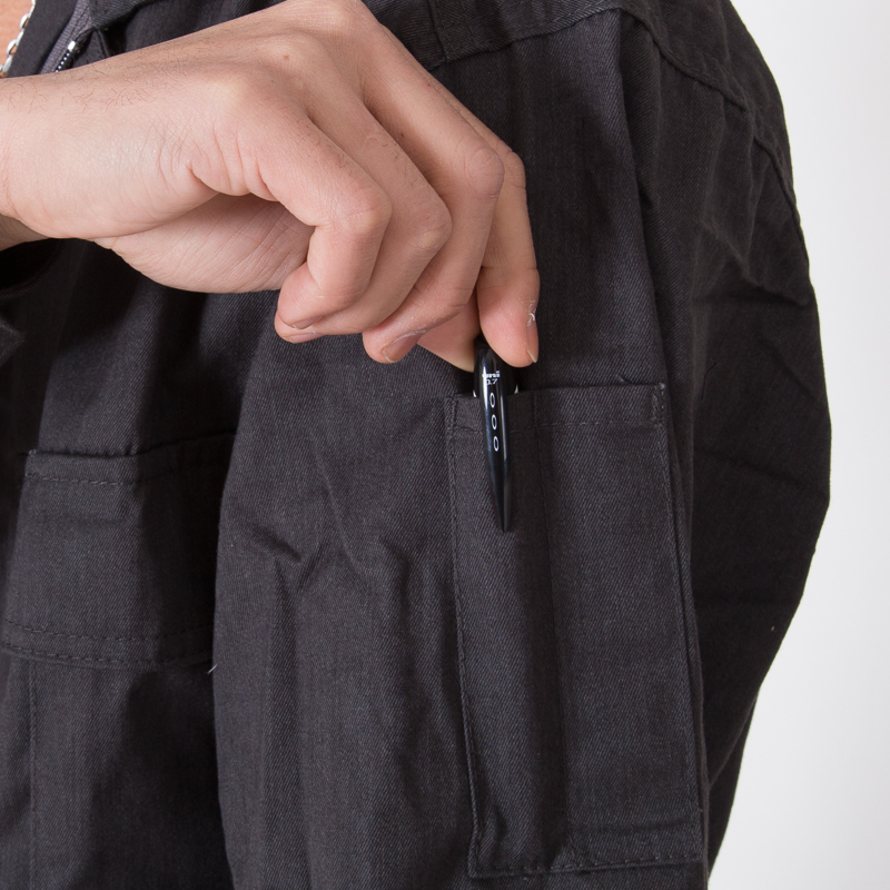ペンさしポケット付き
