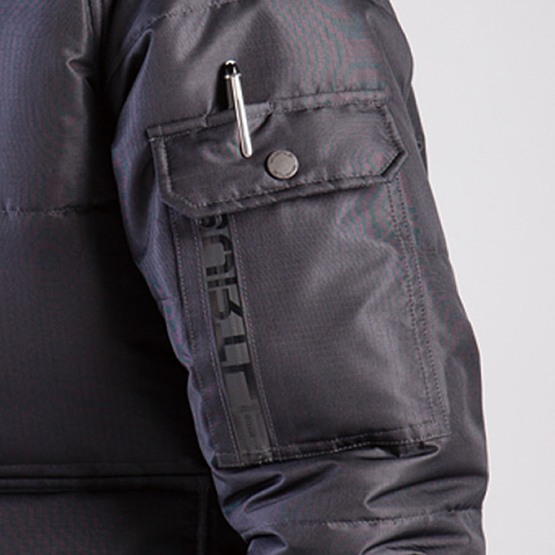 袖ペンさし(左)両脇ウォームアップポケット