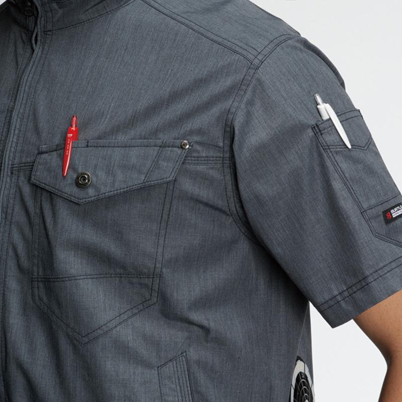 胸ペンさし(左)、袖ペンポケット(左)