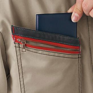 右胸二重ポケット