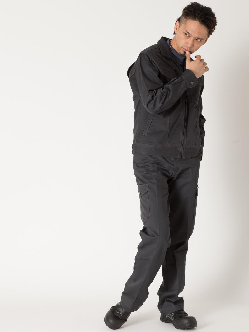 【Z-DRAGON】【秋冬作業服】71202ノータックカーゴパンツ モデル着用1