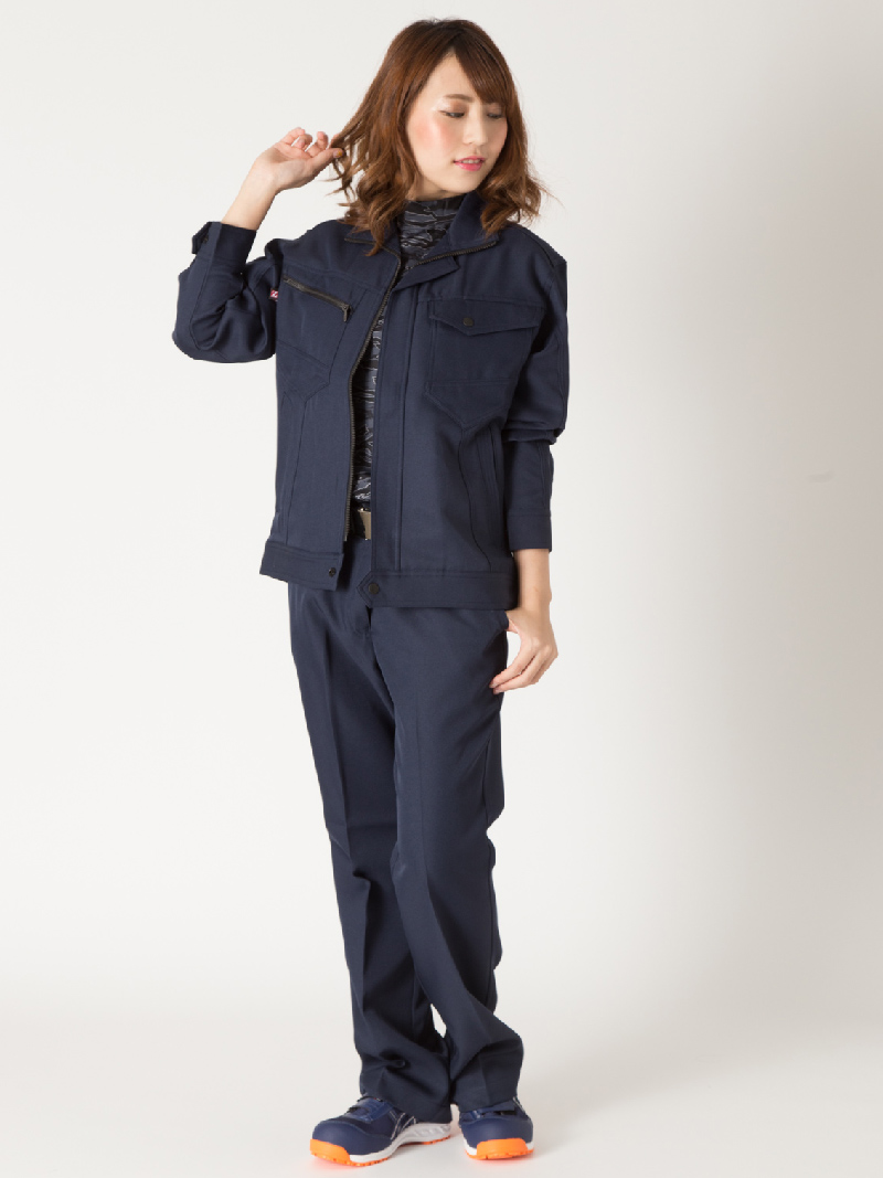 【Z-DRAGON】【秋冬作業服】71306レディースパンツモデル着用1